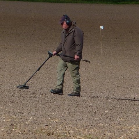 36. Fieldwalking and metal detecting